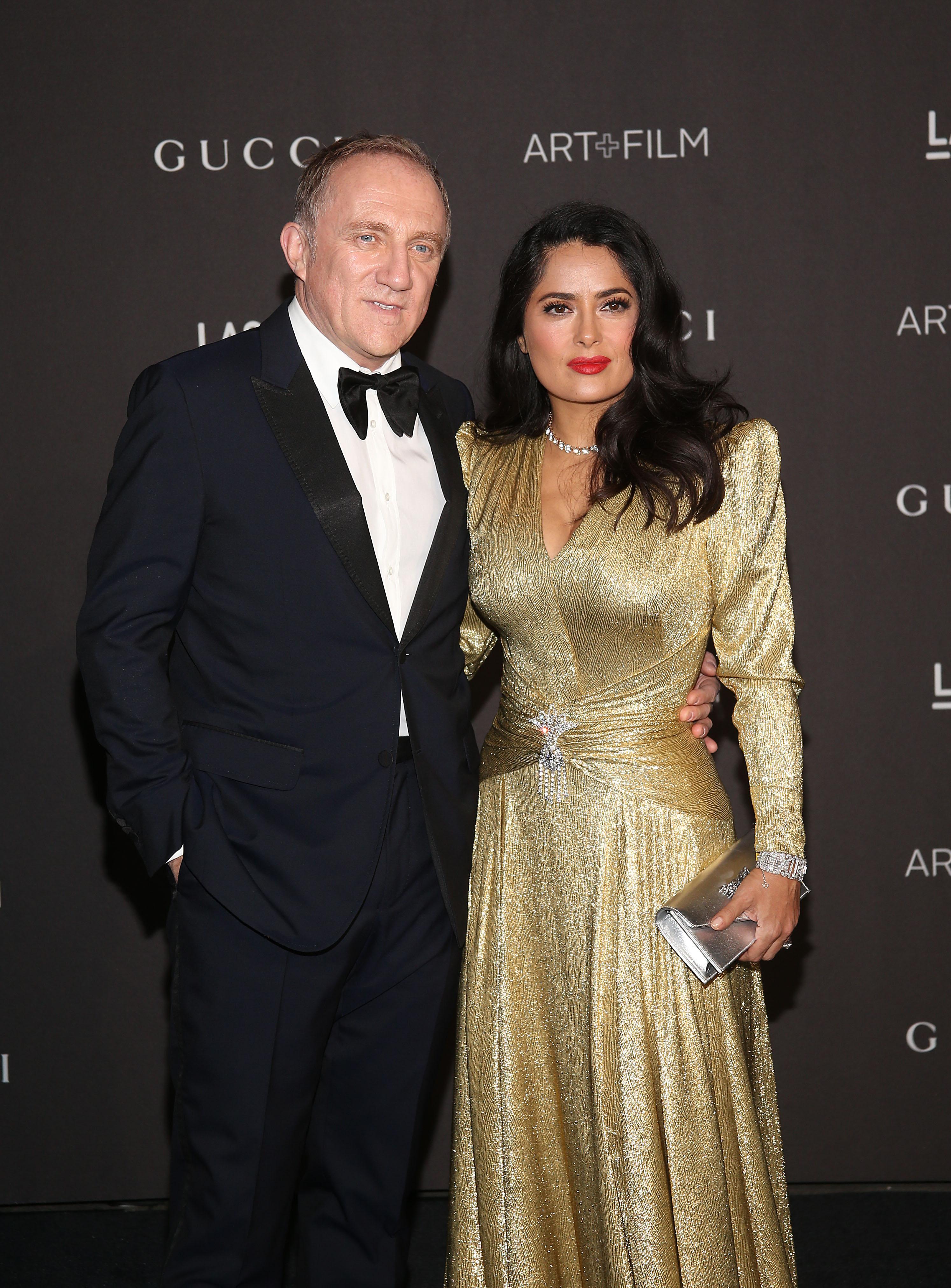 <p><strong>Салма Хайек и Франсоа-Анри Пино</strong></p>  <p>Една от най-красивите жени в Холивуд споделя едно легло със съпруга си вече 12 години. Връзката ѝ с милиардера е една от най-обсъжданите в светските издания заради липсата на вътрешна информация.</p>