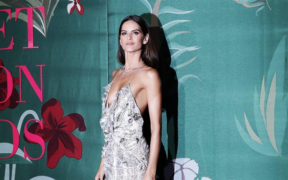 Половинката на немския национал Кевин Трап - моделът Изабел Гулар