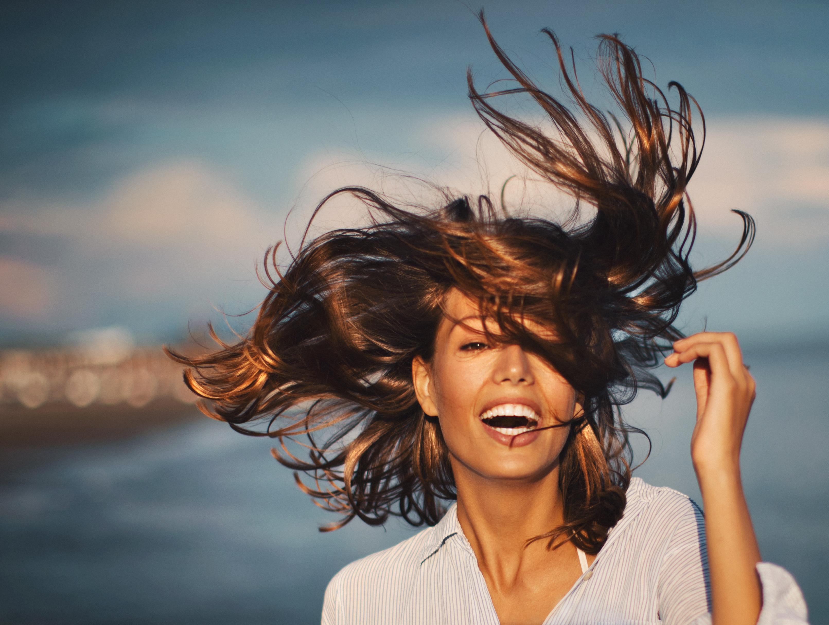 <p><strong>Да бъдем благодарни</strong></p>  <p>Нещата, които липсват на много хора, ние ги имаме в изобилие. Ето защо трябва да се научим да бъдем по-благодарни&nbsp; за онова, което имаме. Най-лесният начин да осъзнаем колко всъщност е благосклонен животът към нас е да си водим дневник на благодарността, в който вписваме всички хубави неща, които ни се случват и за които сме благодарни.</p>