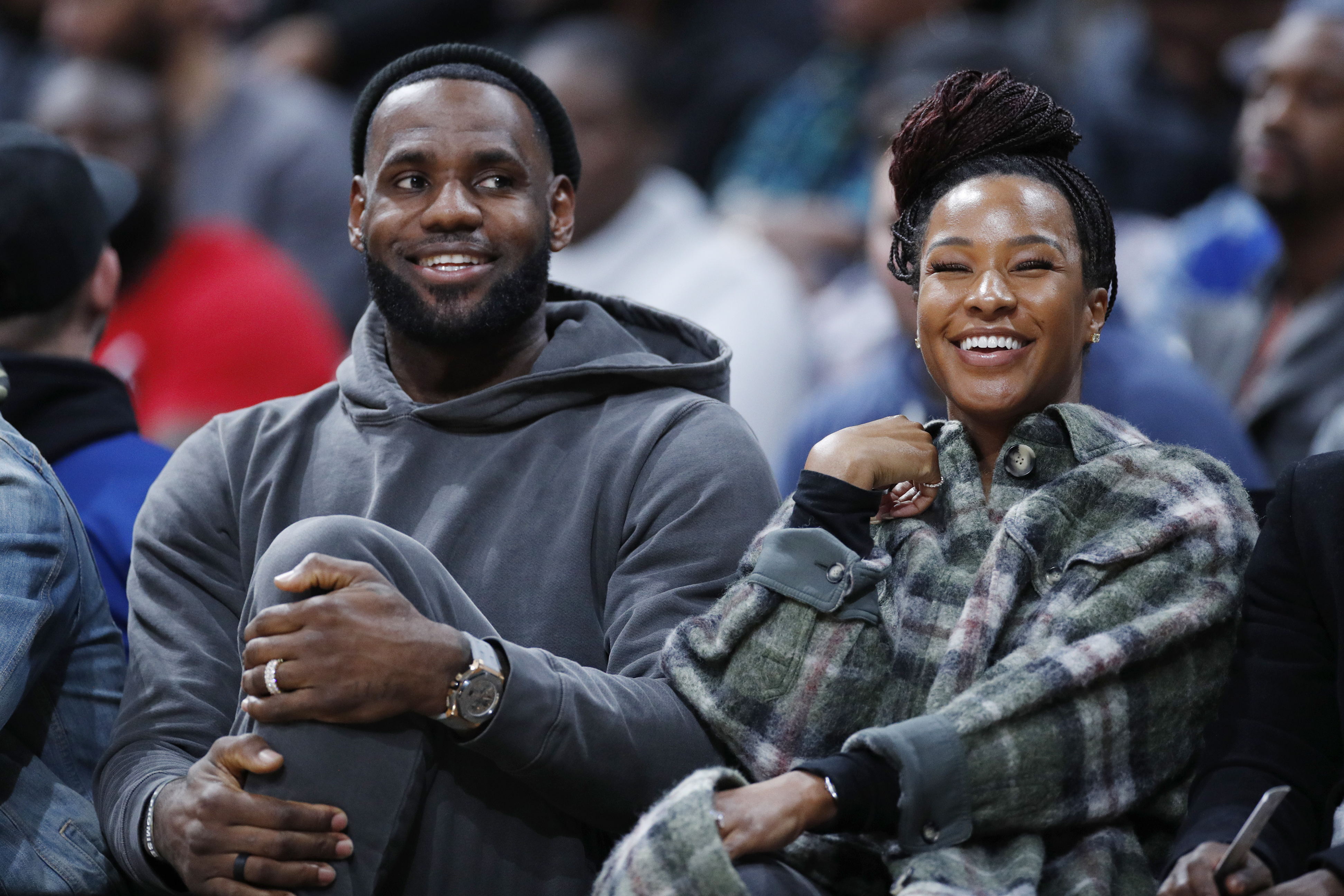 <p><strong>Леброн Джеймс и Савана Бринсън</strong></p>  <p>Американският баскетболист и съпругата му посещават едно и същото училище в Акрон, Охайо. Сключват брак през 2013 година, от който имат три деца.</p>