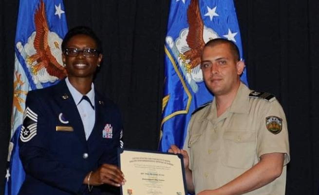 Явор Ненков в Сержантската военно-лидерска академия на американските ВВС в Рамщайн, Германия