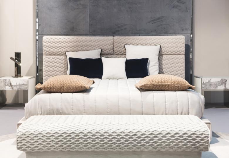 <p><strong>Спалня</strong></p>  <p>Препоръчва се да почиствате спалнята си поне веднъж на седмица, като най-важното е да сменяте чаршафите си. Освен това експерти препоръчват да давате матрака си поне два пъти в годината на професионален хигиенист.</p>