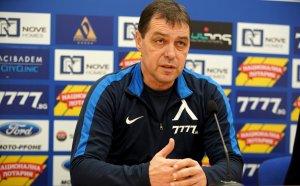 Левски води тежки преговори с Хубчев - ето претенциите на треньора и клуба