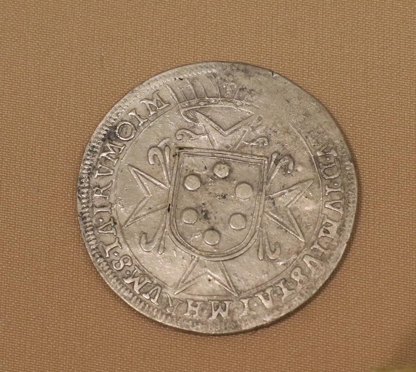 <p>Сребърна монета (талер) на Козимо II Медичи - велик херцог на Тоскана (1609-1621) открит в гроб 24</p>