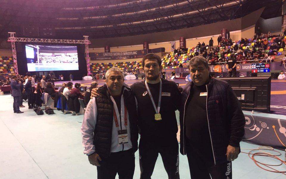 Още два медала за борците ни от Истанбул