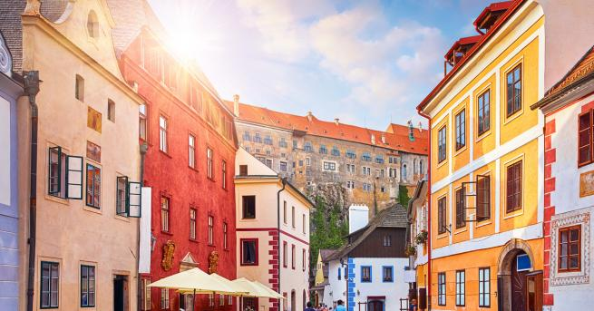 Вдъхновени истории Тази жена от Чехия изрисува приказно къщите на