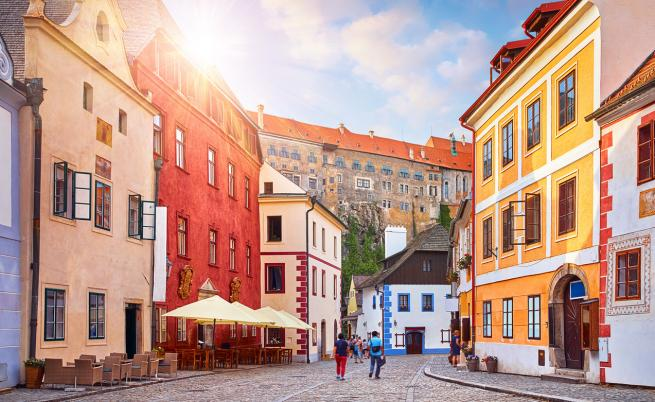 Скок на коронавируса в Чехия, над 100 новозаразени