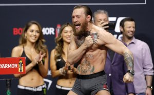Конър отново предизвика боксовите богове - излиза на ринга срещу Пакиао