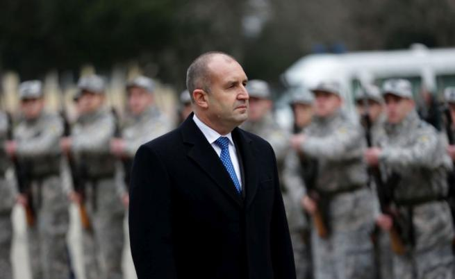 Радев за Борисов: Опитва се да скрие скандала със СРС-ата в