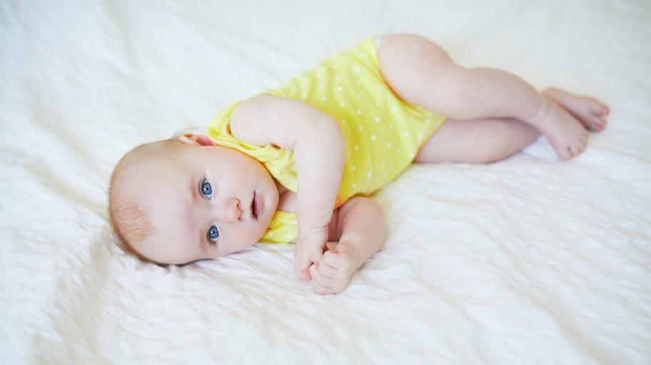 Как се развива бебето на 2 месеца