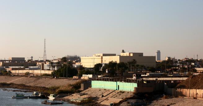 Свят Три ракети удариха посолството на САЩ в Багдад За