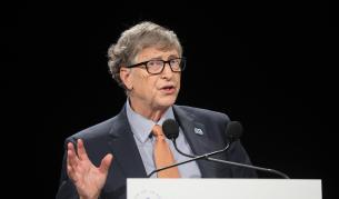 Гейтс: За богатите страни пандемията свършва догодина - Теми в развитие