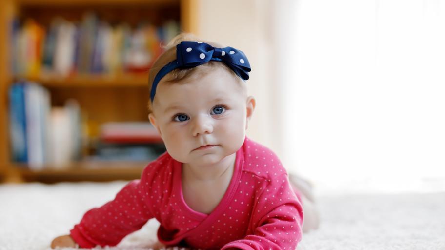 С какви занимания е изпълнен денят на четиримесечното бебе