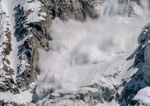 Лавина затрупа 19-годишен скиор в Пирин