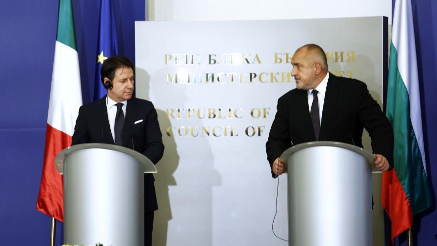 Борисов: Търсим как да приберем българите от Ухан