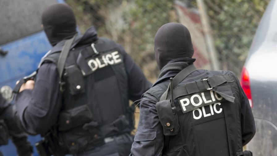 Спецакция в Добрич, иззеха голямо количество оръжия