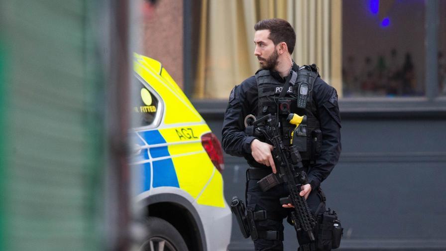 Терористично нападение в Лондон, застреляха нападателя