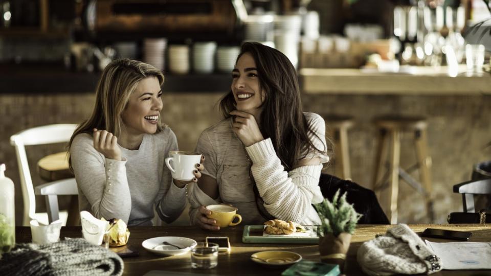 жени кафе закуска приятели приятелство