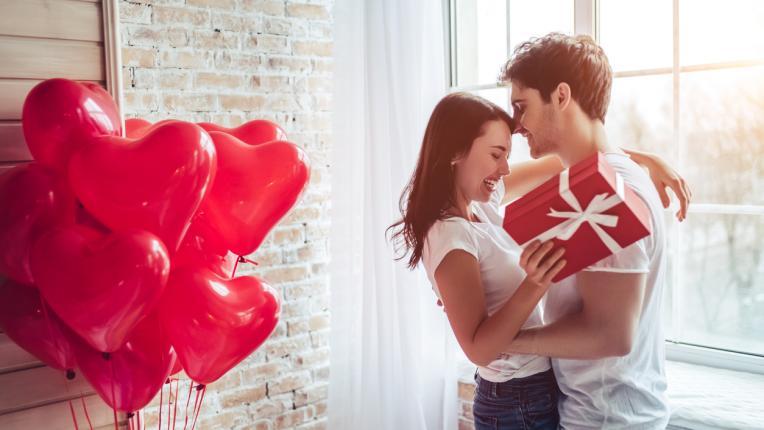 Какво да подарите на половинката си за Свети Валентин според зодията