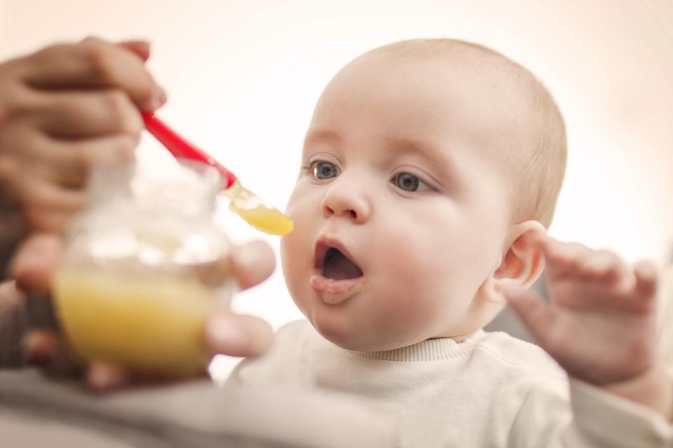 бебе хранене