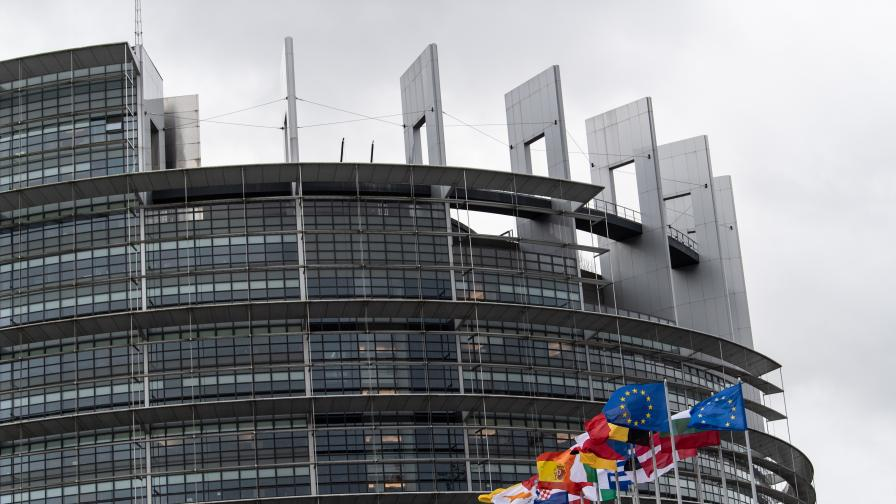 ЕК очаква старт на преговорите с Македония и Албания през март