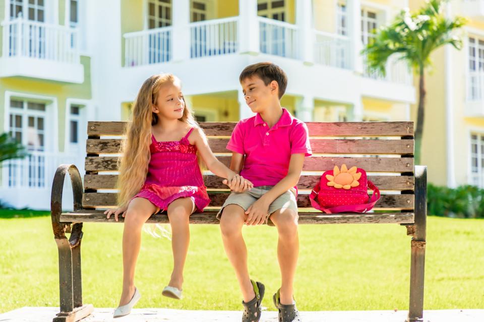 първа любов деца училище момче момиче