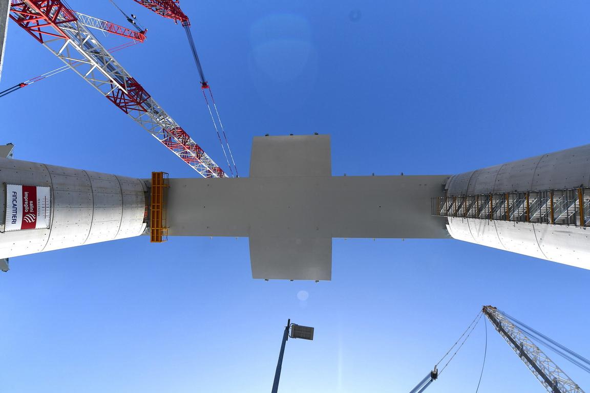 <p>Италия изгради отново срутилия се мост &quot;Моранди&quot; край Генуа.</p>  <p>&nbsp;</p>