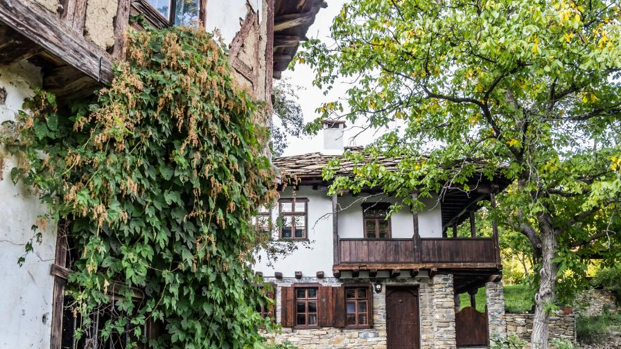 5 прекрасни български села, в които ще...
