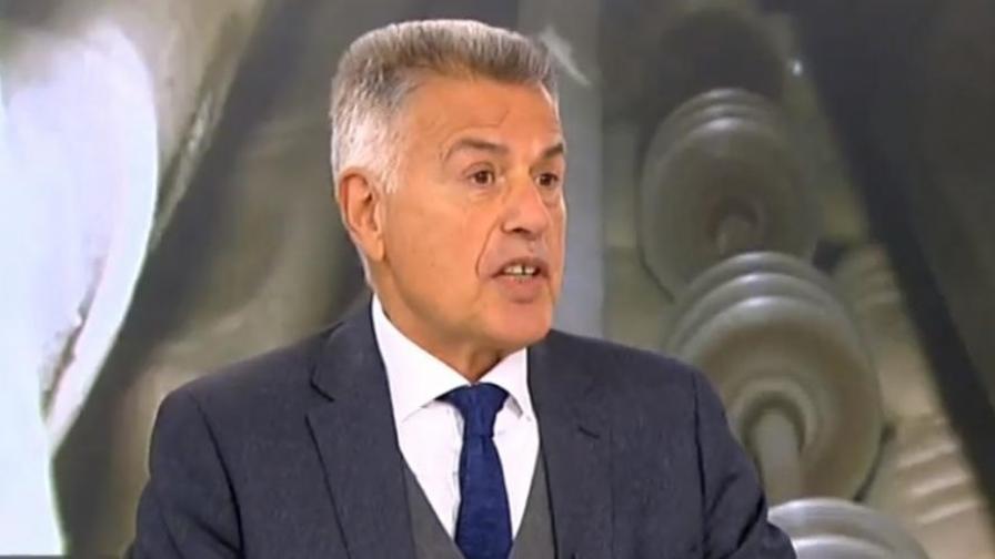 <p>Дачев: Кирил Домусчиев е прав, че има мафия в енергетиката</p>