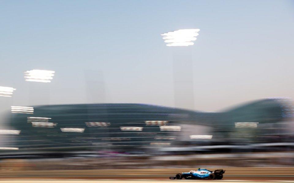 Отборът на Макларън от Формула 1 обедини сили със самолетния