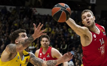 Везенков най-резултатен при разгромна победа на Олимпиакос