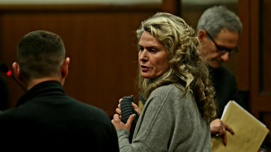 Върнаха в ареста съпругата на Васил Божков