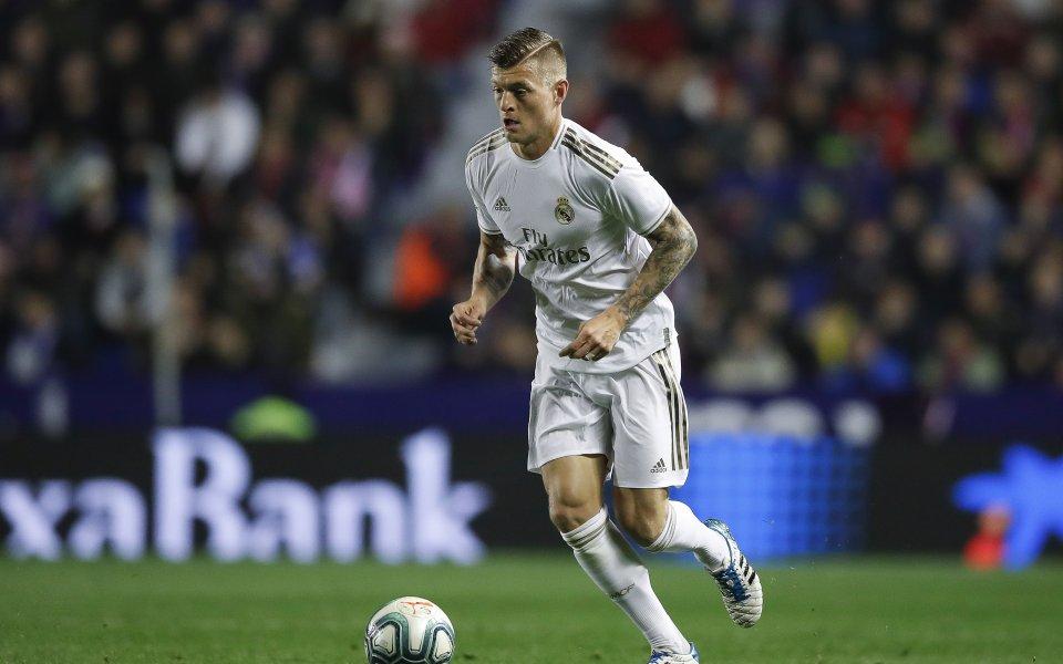 Футболистът на Реал Мадрид Тони Кроос може да загуби титулярното