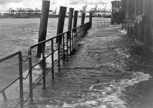 Проливен дъжд и наводнения в Джакарта