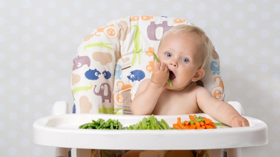Как да захранваме бебето на 12 месеца