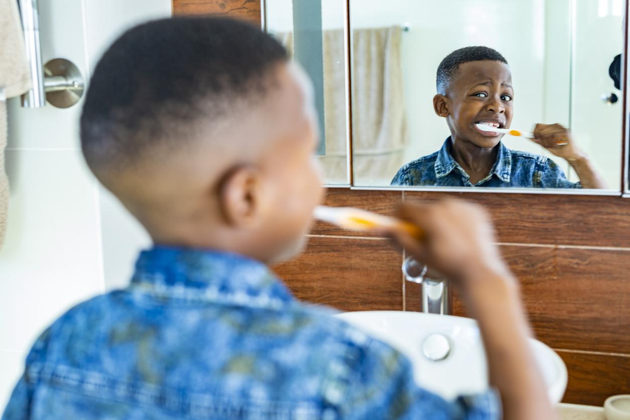 <p><strong>Бързате</strong></p>  <p>По колко време миете зъбите си? Със сигурност не би трябвало отговорът ви да е &bdquo;под 2 минути&rdquo;.</p>