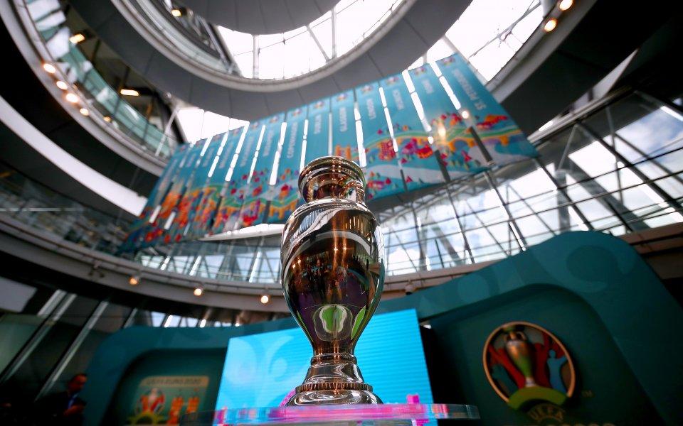 Европейската футболна асоциация (УЕФА) не планира да променя сроковете и