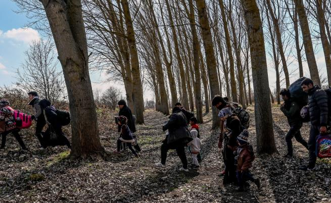 Първи мигранти до българската граница