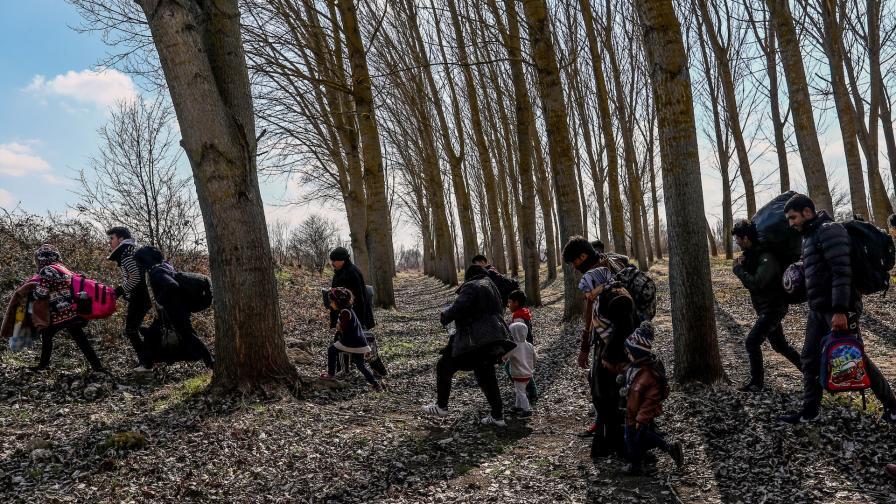 <p>Първи мигранти до българската граница</p>