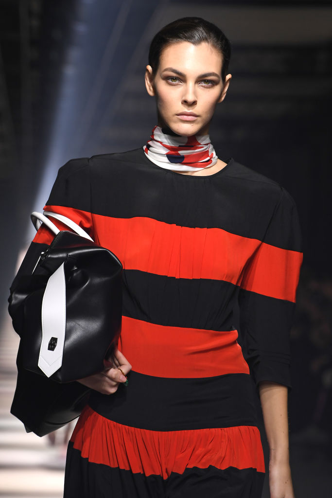 <p><strong>Givenchy</strong></p>