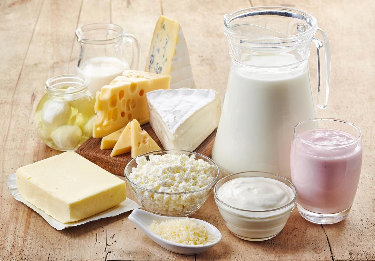 <p><strong>Млечни продукти</strong></p>  <p>Някои хора, дори без да знаят, имат непоносимост към лактозата, което предизвиква подуване и дори възпаления при консумацията на млечни продукти. Тази непоносимост би могла да доведе и до забавянето на метаболизма ви.</p>
