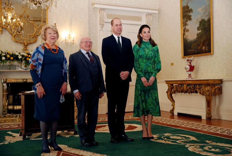 <p>Херцогът и херцогинята на Кеймбридж заедно с президента на Ирландия Майкъл Хигинс и съпругата му Сабина Койн.</p>