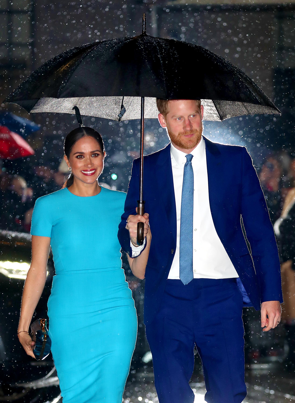 <p>Меган Маркъл пристигна&nbsp;във Великобритания за първи път след обявяването на Мегзит. Херцогинята на Съсекс&nbsp;се присъедини към съпруга си принц Хари за няколко събития през март, едно от които -&nbsp;Endeavour Fund Awards. Церемония почита постиженията на ранените и болни военнослужещи мъже и жени, участвали в различни спортни състезания.&nbsp;</p>