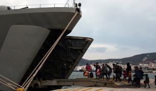 Репортер на NOVA разказва за мигрантите на Лесбос - Свят | Vesti.bg