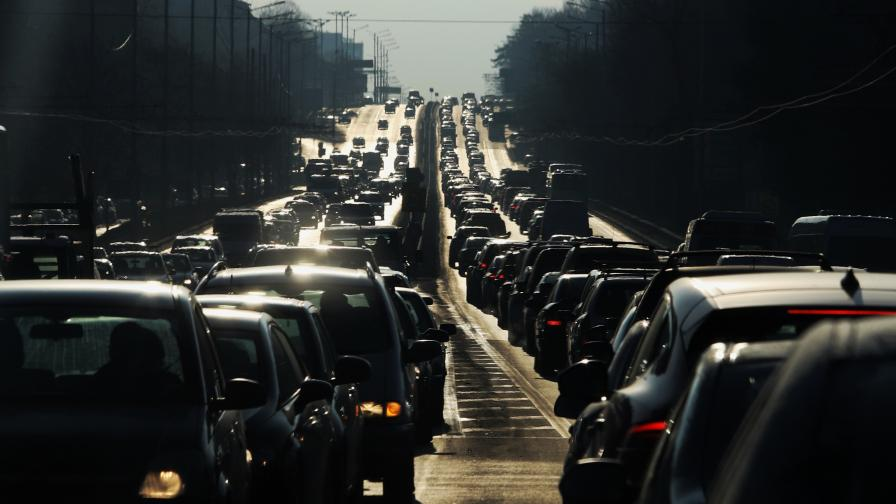 Нови мерки за придвижване: Натоварен трафик в първия работен ден