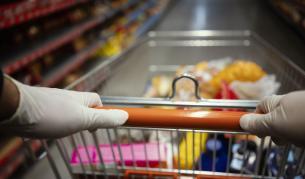 Глад в Сицилия, въоръжена полиция пази супермаркетите от грабежи