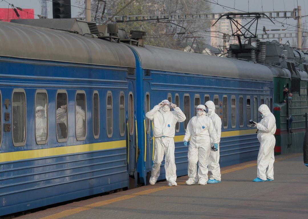 <p>От 30 март за всички московчани се въвежда режим на домашна самоизолация, независимо от възрастта им. Това се съобщава на сайта на кмета на града Сергей Собянин.</p>