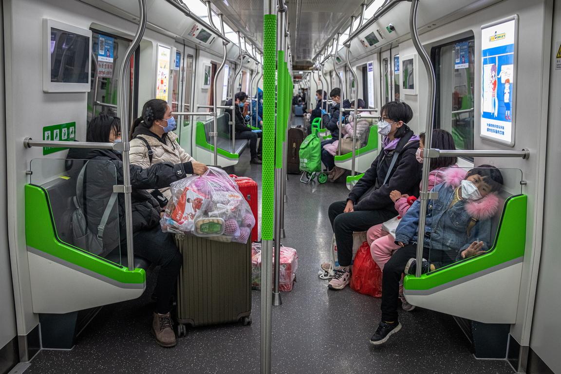 <p>Промишлените предприятия в Китай са успели да възобновят производството си средно до 98,6 %, заяви заместник-министърът на промишлеността Син Гобин.</p>