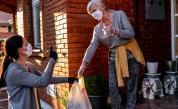 Безплатна платформа свързва възрастни и хронично болни хора с доброволци
