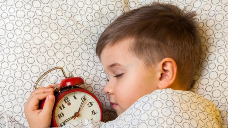 Как да помогнем на детето да изгради навици за сън?